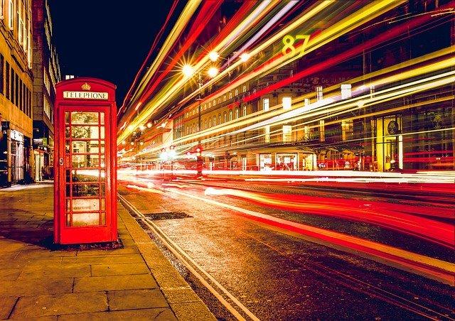 Vot 70 interesnykh faktov ob Anglii, okhvatyvayushchikh yeye istoriyu, geografiyu, izvestnykh lyudey, yedu, kul'turu, ekonomiku, izvestnyye pamyatniki i mnogoye drugoye.